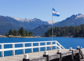 International removals to Argentina with 1st Move International - Landscape image of Río Negro, Argentina