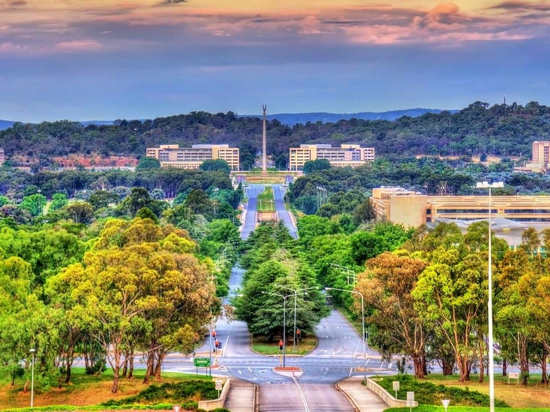 Canberra cityscape. Moving to Canberra. Best places for professionals.